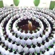 Hadra-white-circle-around-the-Shaykh